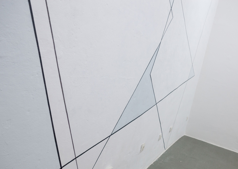 "<p style=""text-align: center;""><span style=""font-size: 8pt;"">Installation view, Isabelle Borges, Triangularities, Centrum Berlin, 2016 Photo: Merve Terzi Photography </span></p>"