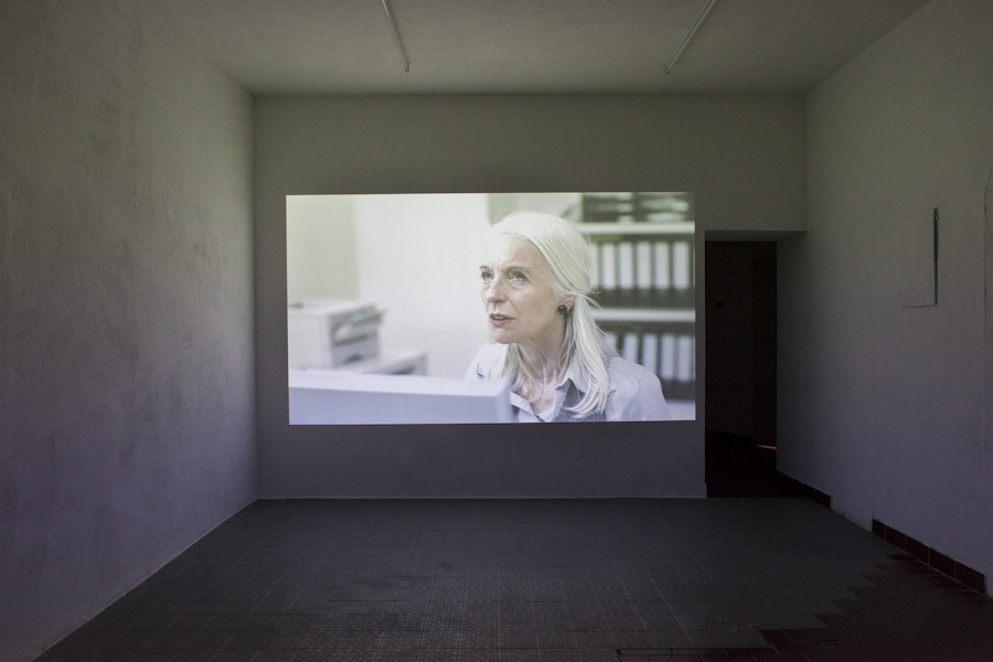 "<p style=""text-align: center;""><span style=""font-size: 8pt;"">Keren Cytter, Video Art Manual (14:43 min, 2011), Kunst Film Fest #2, Part II: Supercut, Centrum, Berlin 2016, Photo Ute Klein</span></p>"